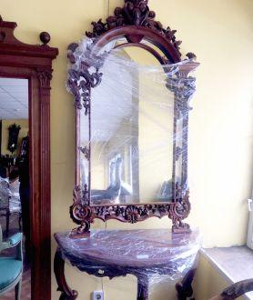 Консоль и зеркало