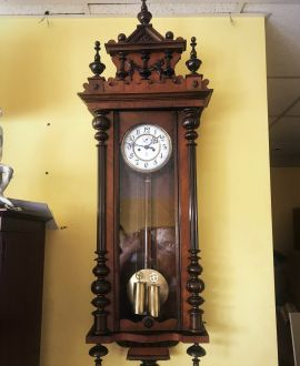 Gustav Becker sienas pulkstenis
